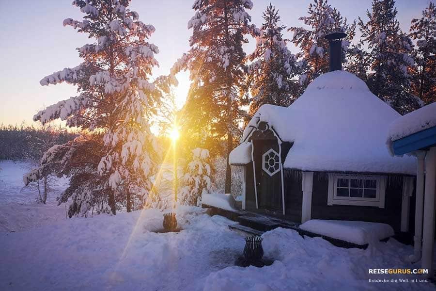 Norwegen-im-Winter-Schneeunterkunft