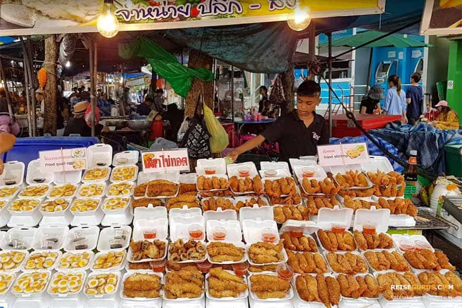 Essen auf dem Chatuchak Wochenmarkt