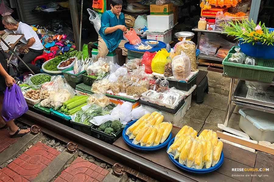Maeklong-Railway-Market Zugverbindungen für die Anreise aus Bangkok