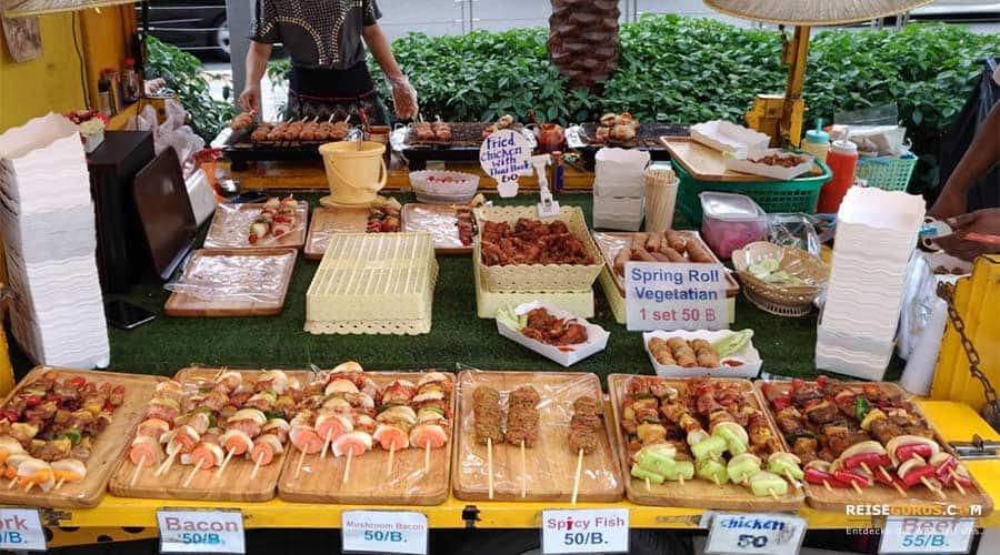 Pratunam-Market-Food