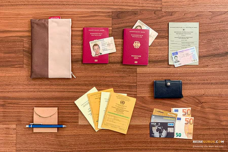 Handgepaeck-Packliste-Ausweis