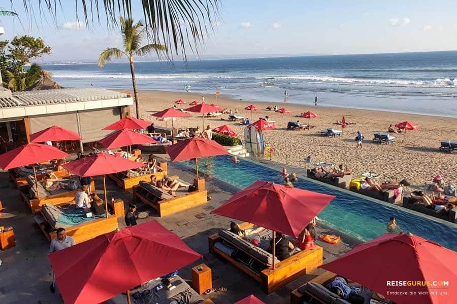Bali Beach Clubs mit Strandpartys