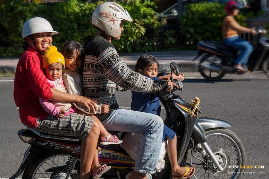 Roller fahren und mieten auf Bali