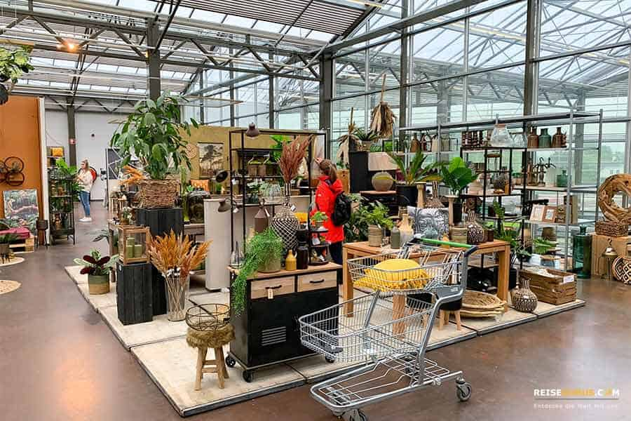 Deko Shopping in Venlos Gartencentern