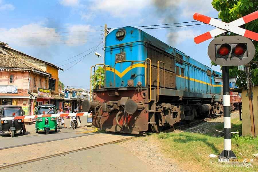 Sri Lanka Zugfahrt zwischen Kandy und Ella